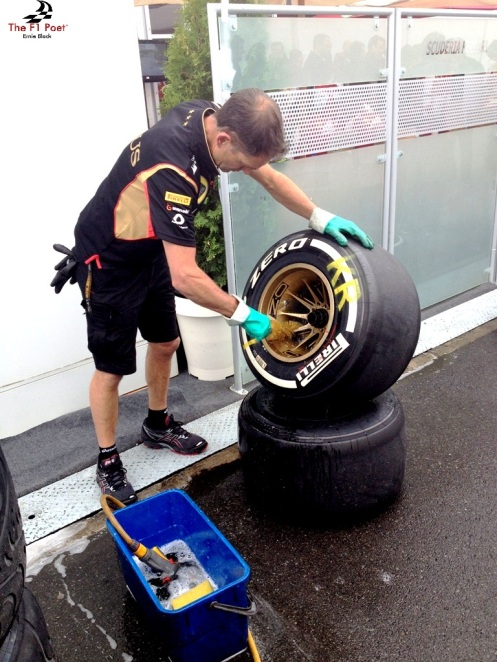 Kimi's rubbers getting a good scrubbing
