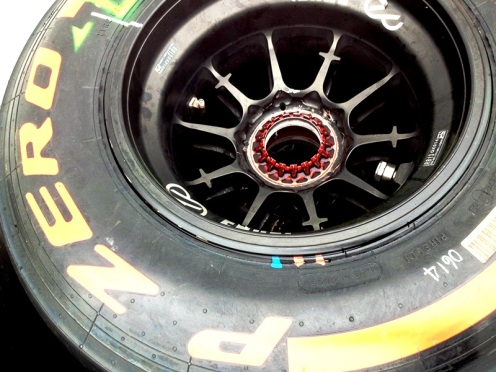 Here is a closer look at the top of an F1 rim.
